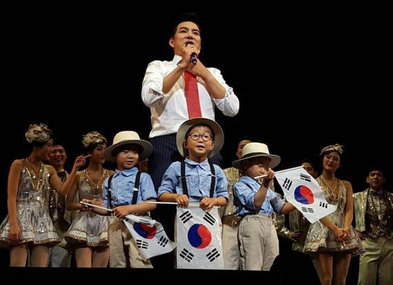 三胞胎大韩民国万岁近况公开 暴风成长啦啦队