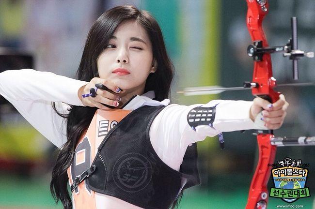 TWICE子瑜與射箭「再續前緣」 驚喜登《藝體能》射箭篇- KSD 韓星網(明星)