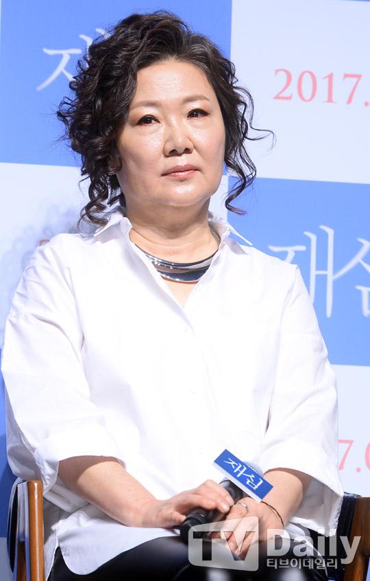 【OUTFIT】姜河那&鄭宇亮相新片《再審》發佈會 西服短髮超幹練  追蹤KSD熱門