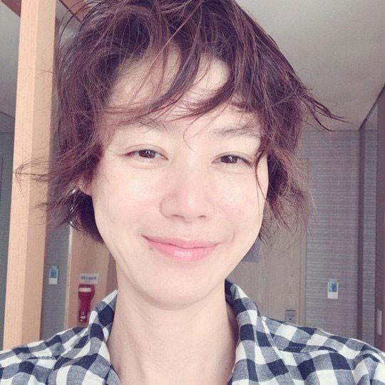 张金玲的儿子_50岁的金成玲公开素颜自拍,已婚+育有两子的她也太会保养了吧 ...