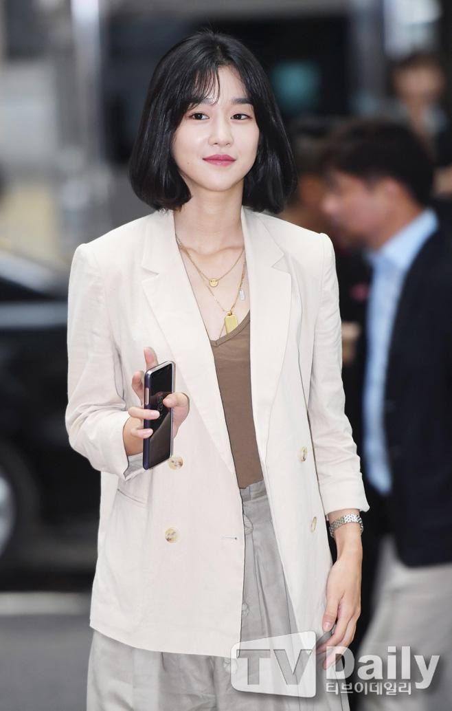 洪宗玄韩国著名演员崔民秀因交通事故受重伤入院