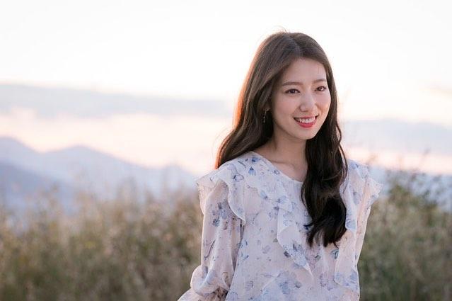 tvN《阿爾罕布拉宮的回憶》再曝劇照!眼神超溫柔的玄彬& 笑容甜美的 ...