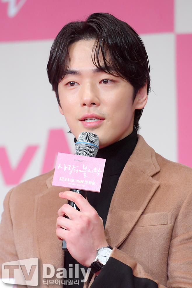 【多圖】《愛的迫降》發佈會:玄彬二次飾演北韓軍人!孫藝珍:「他與劇中角色完全重合」