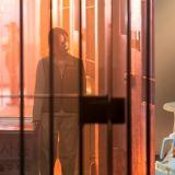 《The Penthouse 3》版的机智牢房生活!柳真&金素妍囚服剧照公开,「千瑞璡」的牢房还有沙发椅 XD