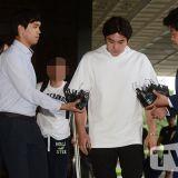 Super Junior強仁酒駕肇事逃逸接受調查 沉默步入調查室