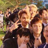 国家的PICK!EXO出席青瓦台国宴,送给川普女儿亲笔签名专辑!