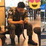 帥氣的軍人玉澤演近況公開!更加壯碩的身材、寬闊的肩膀吸引大家注意!
