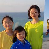 鄭雄仁三個女兒的近況公開!當年的小不點們長這麼高了啊~