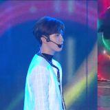 《MBC歌谣大祭典》也出了舞台事故!金在奂表演时放错歌曲,最后向观众行大礼道歉!