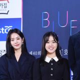 《耀眼》再合体!韩志旼、南柱赫、金香起出席青龙电影按手印活动