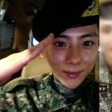 张贤胜正式退伍!在IG更新了照片,让网友表示:「去完军队回来还这么有活力的人...还是第一次见」