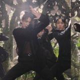 BTS防彈少年團《Black Swan》新舞台:柾國透視裝+扎頭髮造型引發討論,又帥又性感!