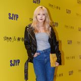 4Minute泫雅出席品牌活動 酒紅色唇妝吸睛