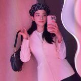 【多图】事业粉&妈粉太欣慰了!据说这品牌今年秋冬系列的灵感来自BLACKPINK Jisoo