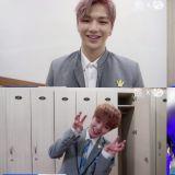Wanna One公开最终排名时的后台! 黄旼泫泪水超多,姜Daniel虎牙笑&朴志训BOBO撒娇
