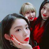 实至名归!Red Velvet 夺最佳女团奖 贴心发文向 ReVeluv 致谢