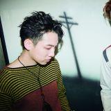 BEAST龍俊亨攜摯友Davii拍寫真 雙人新歌製作中
