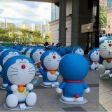 百只巨型哆啦A梦集韩国啊!每一只都有著不同的表情呢!