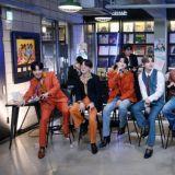 【有片】BTS防彈少年團JIN不愧是衣架子!花襯衣+牛仔褲這麼「土」的Look都能消化