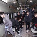 [有片]JYP新团体Stray Kids来问候     新颖风格引目光