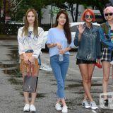 個性十足《Music Bank》上班路