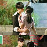 《五个孩子》成勋、申惠善吻戏拍摄花絮公开 甜蜜细腻