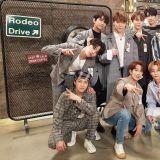 韩、日都疯 SEVENTEEN!韩演唱会门票火速售罄 巨幅海报、快闪店攻占涩谷109