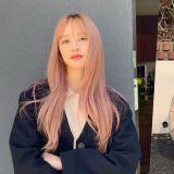 金寶羅為拍新戲形象大變樣!淺粉色長髮也太夢幻了吧~