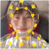 最近超流行的黃色雨衣,由黃旼炫親自為大家示範啦!
