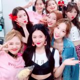 少女时代&Red Velvet合照,还有BoA&Key!SM家族演唱会好开心~