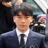 胜利化好全妆&set好发型出席警局调查  韩国网友怒:「以为去作秀吗?」