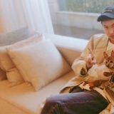 李敏鎬出道12週年!曬近況照帥氣依舊,粉絲們好想成為他手裡的狗狗
