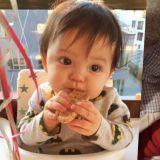 躲过了三胞胎~逃过了「大发」~却不小心栽在了4岁的娜恩身上啦♥肉嘟嘟婴儿照大曝光