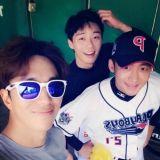 演员朴叙俊、尹贤旻、李泰成 明星棒球队的新势力
