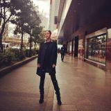 張根碩成功瘦身8kg 日本街拍展現帥氣風采