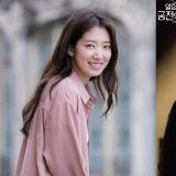 《阿尔罕布拉宫的回忆》导演:EXO灿烈是朴信惠推荐出演的,在剧中是非常重要的角色!