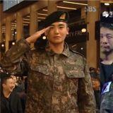 【第40屆青龍電影節】朴炯植著軍裝出席並獲「人氣明星獎」:「剩1年就退伍了,我會全力以赴。」