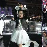 在MMA上带来Cover舞台的舞蹈小神童罗夏恩!让EXO、WINNER都跟著她一起跳啦!