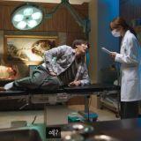 尹施允、Hani 主演《You Raise Me Up》预告公开:「不举男」去看泌尿科,医生却是自己的初恋 XD
