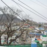 小渔港上的彩色村落:东崖壁画村