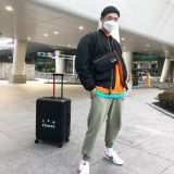 Beenzino的IAB Studio又推出新商品了:这次是…行李箱!