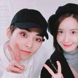 润娥公开EXO演唱会认证照! 与「同龄LINE」SUHO&XIUMIN合影