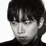 2PM李俊昊黑白寫真凸顯成熟魅力 首次拍戲演律師