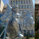 雕塑家審美有問題還是民眾不懂藝術?5年換了3個地方的雕塑:感覺要被他攝去魂魄
