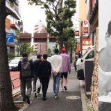 他们又一起去旅游啦!赵寅成、李光洙、都敬秀在日本被幸运民众偶遇,李光洙衣服超抢眼XD