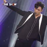 EXO LAY初登 《The Show》 CBX首奪一位