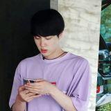 無法掩藏的存在感!BTS防彈少年團Jin在團綜裡引人矚目的寬肩