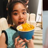 金香起終於嚐到想吃的芒果冰!而喝西瓜牛奶的表情怎麼這麼...可愛啦XD