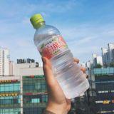 日本最近很紅的透明飲品:現在透明蜜桃水在韓國也有賣了!