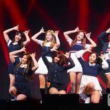 人氣女團TWICE出道1年7個月 專輯總銷售量突破百萬!